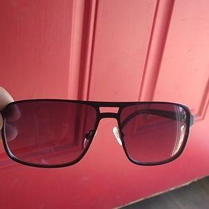 Guess men's sun glasses